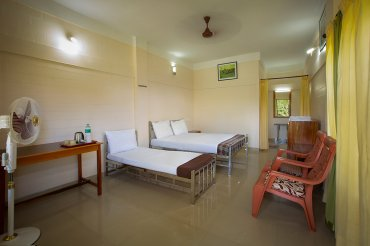 Masinagudi Foreset resort - Secret Ivory 3 Bedded  Room